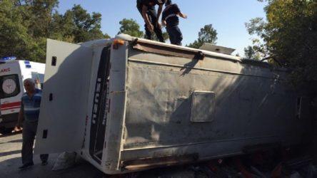 Tarım işçilerini taşıyan midibüs devrildi: 1 ölü, 28 yaralı