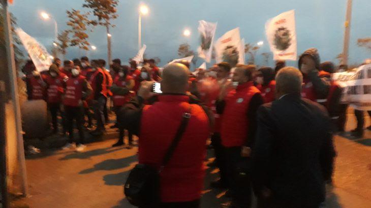 Sendikalı olan 45 işçiye ücretsiz izin dayatması