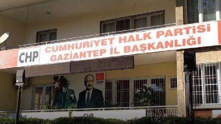 Antep'te CHP'li gençler birbirine girdi