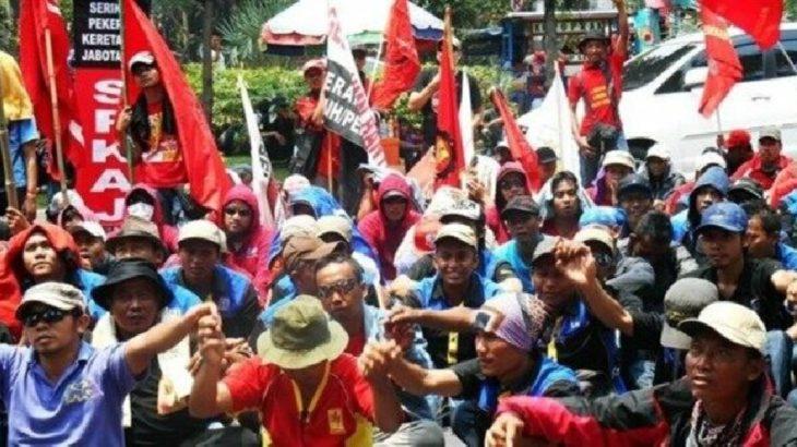 Endonezya'da binlerce işçi genel grevde