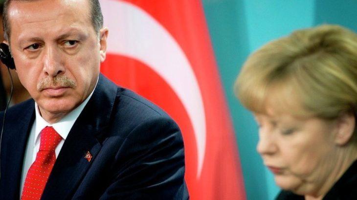 Merkel: Erdoğan'ın açıklamaları iftira