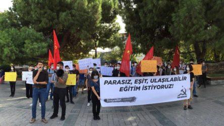 Gençlik, İl Milli Eğitim Müdürlüğü önünde: Sessiz kalmayacağız, parasız, eşit, ulaşılabilir eğitim istiyoruz!