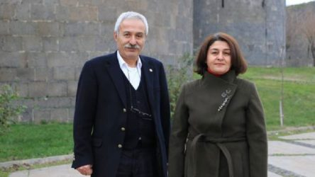 HDP Diyarbakır il eş başkanları gözaltında!