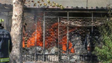 Antalya'da mobilya atölyesinde yangın çıktı