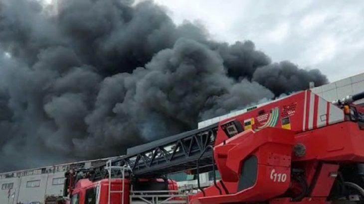 Silivri'de sünger fabrikasında yangın!