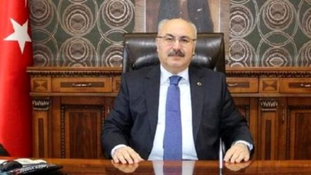 İzmir Valisi Köşger koronaya yakalandı