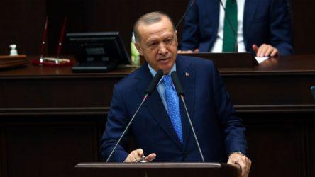 Erdoğan: Buradan yargıya sesleniyorum. Diyorum ki; değerli yargı mensupları Anayasa'nın 138. maddesi beni ne kadar muhatap alıyorsa aynı şekilde benim dışımdakileri de muhatap alıyor. 138. maddeyi eze eze kullananlara karşı gereğini neden yapmıyorsunuz