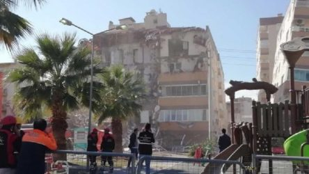 Depremde çöken sitenin yapımında çalışan işçi: İlk depremde yıkılacağını biliyorduk