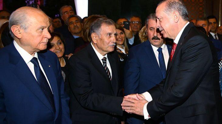Eski Başbakan Yıldırım Akbulut yoğun bakıma kaldırıldı