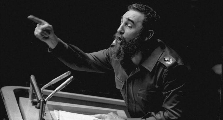 Castro, Birleşmiş Milletler Genel Konseyi toplantısında etkili bir konuşma verirken. New York, 12 Ekim 1979.