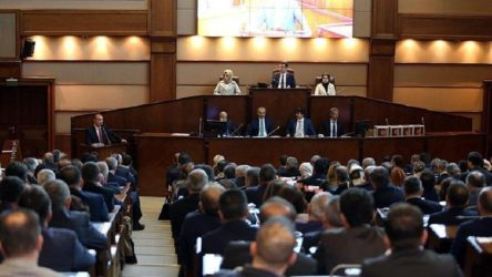 İBB'nin sosyal yardımlarına AKP ve MHP ittifakından tırpan!