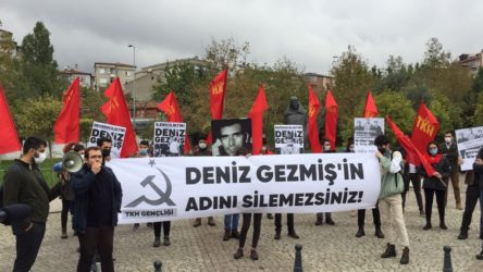 Komünist gençler: Deniz Gezmiş'in adını silemezsiniz!