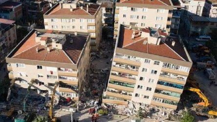 İzmir'de 5 okul ağır, 18'i orta hasarlı