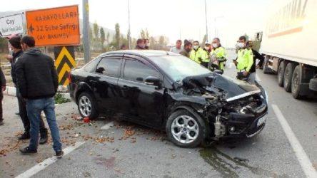 Tarım aracı ile otomobil çarpıştı: 1 ölü, 6 yaralı