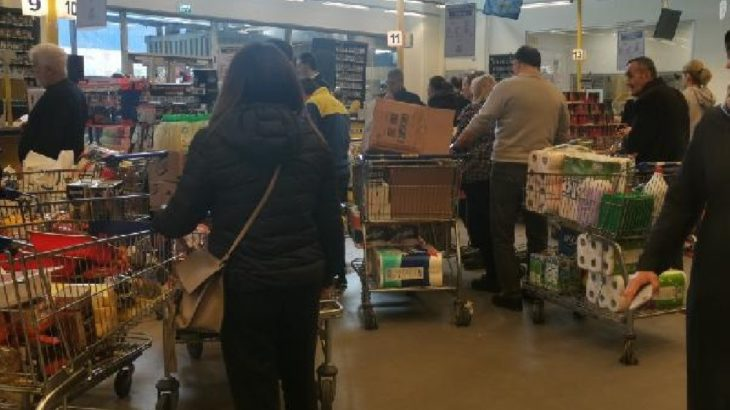 Vaka sayısındaki artışa bir garip önlem: Kentte marketlerde indirim yasaklandı