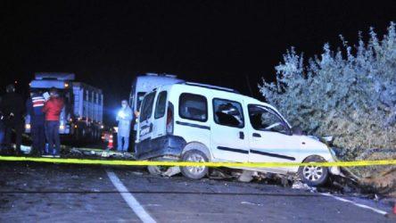 Nevşehir'de otomobil ile ticari araç çarpıştı: 4 ölü, 2 yaralı