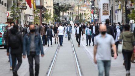 Türkiye'de 81 kişi hayatını kaybetti, 2 bin 483 yeni 'hasta'