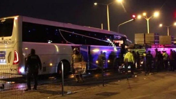 Uşak'ta yolcu otobüsü ve TIR çarpıştı