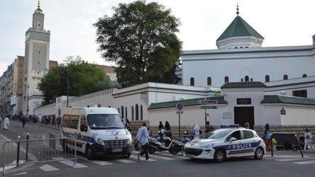 Fransa 76 camide denetim başlatıyor: Bazı camiler kapatılabilir