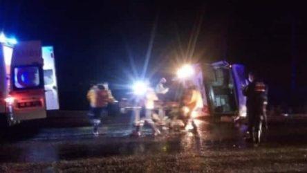 İşçileri taşıyan midibüs devrildi: 5'i ağır durumda 27 yaralı