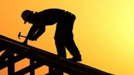 Beyoğlu'nda inşaat işçisi inşaat boşluğuna düştü
