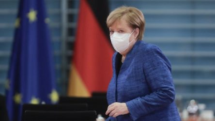 Almanya'da koronavirüs tedbirleri 10 Ocak'a kadar uzatıldı