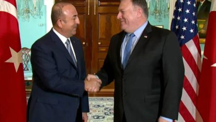 Pompeo ve Çavuşoğlu telefon görüşmesi gerçekleştirdi: Yaptırımların hedefi Rusya