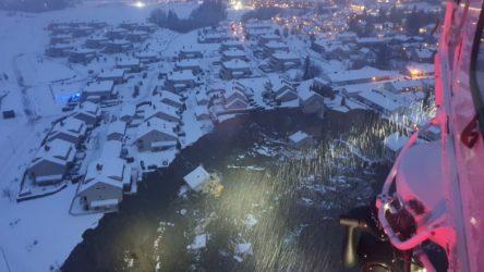 Norveç'te toprak kayması: 10 kişi yaralı, 21 kişi kayıp