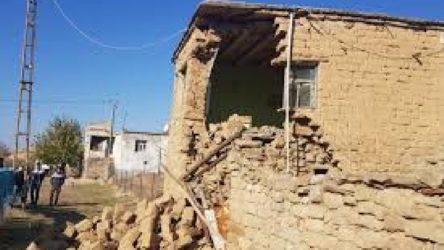 Siirt'te meydana gelen depremde 52'si ağır 737 hasarlı bina belirlendi