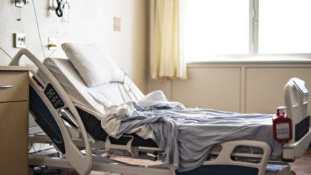 ABD'de bir koronavirüs hastası, aynı odada bulunan 82 yaşındaki hastayı oksijen tüpüyle öldürdü