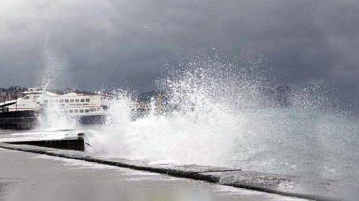 İstanbul'da fırtına nedeniyle bazı İDO ve Şehir Hatları seferi iptal edildi