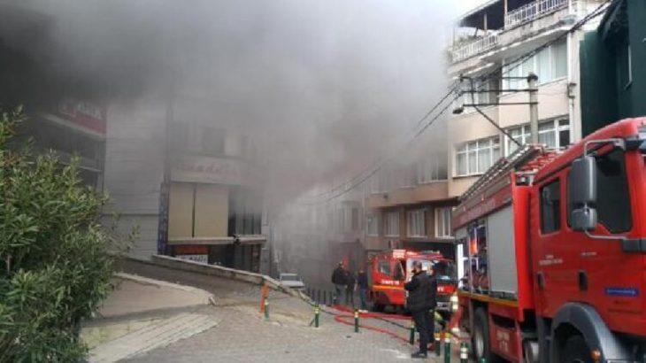 Bursa'da AVM deposunda yangın