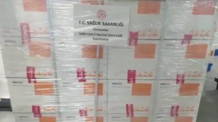 Koca: İnaktif aşılarımızın ilk bölümünü getiren uçak, Türkiye saati ile 19.50'de Pekin havalimanından havalandı