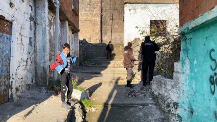 Atık toplarken çöken duvarın altında kalan çocuk yaşamını yitirdi