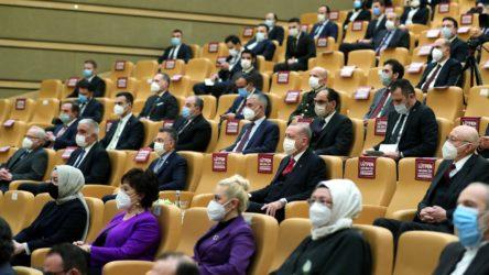 Erdoğan: Beklediğimiz o sanatçı slogan atarak kendini göstermeye çalışmayacaktır