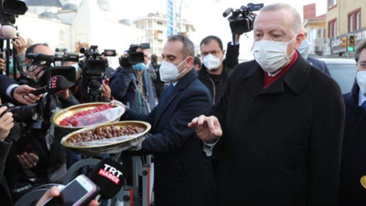 Erdoğan pestil dağıttı: Bununla beslenin Covid'den kurtulun