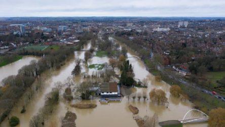 İngiltere'de Bella fırtınası: Bin 300 kişi tahliye edildi