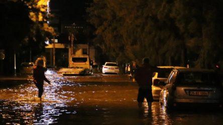 İzmir'de selde kaybolan 2 kişi hakkında Vali Köşger'den açıklama