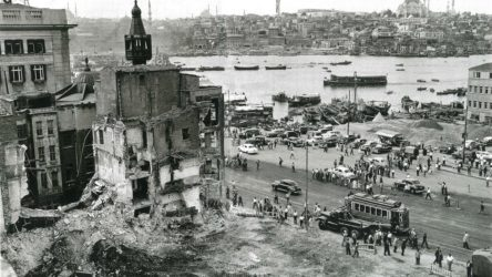 Camileri Menderes yıkmış