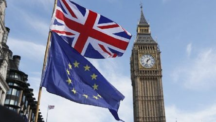 AB ve İngiltere, Brexit sonrası beklenen uzlaşıya sonunda vardı