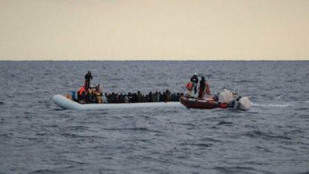 Tunus açıklarında göçmen teknesi battı: 20 kişi hayatını kaybetti