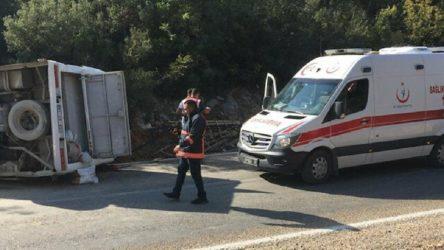 Tarım işçilerini taşıyan midibüs ile minibüs çarpıştı: 16 yaralı