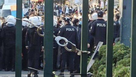 Kayyım rektör Bulu protestosunda gözaltına alınan 24 kişi adliyeye sevk edildi