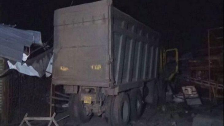 Hindistan'da kamyon, kaldırımda uyuyan işçileri ezdi: 15 işçi hayatını kaybetti