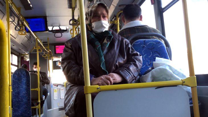 65 yaş üzeri olduğu için otobüsten indirilmek istendi: Ben çalışmazsam açım