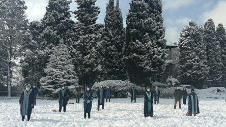 Boğaziçi'nde akademisyenlerin 'kayyum rektör' protestosu devam ediyor
