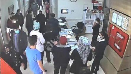 Koronavirüs tedbirlerini hatırlatan güvenlik görevlisi hasta yakınları tarafından darp edildi