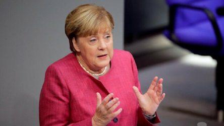 Merkel'den ABD açıklaması: Görüntüler beni kızdırdı ve üzdü