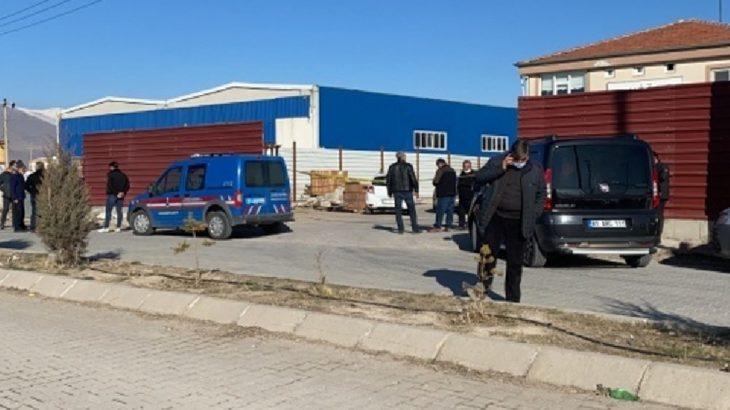 Geri dönüşüm fabrikasında yangın: Bir işçi hayatını kaybetti