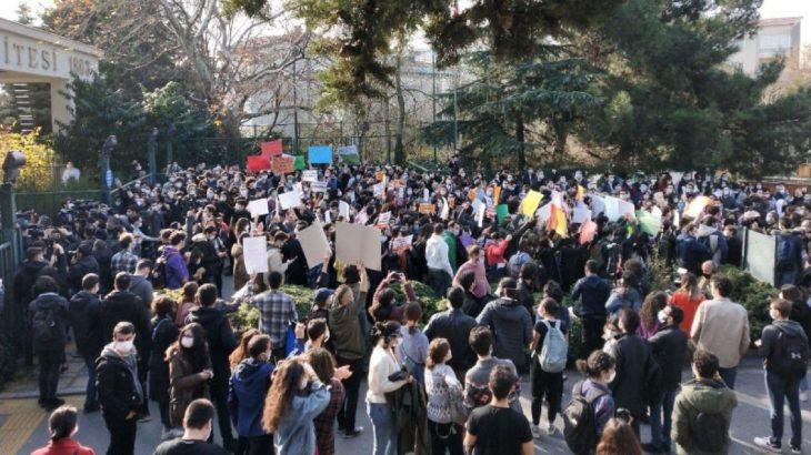 Boğaziçililer dersleri boykot edip, çarşamba günü eylemlerine devam edecekler